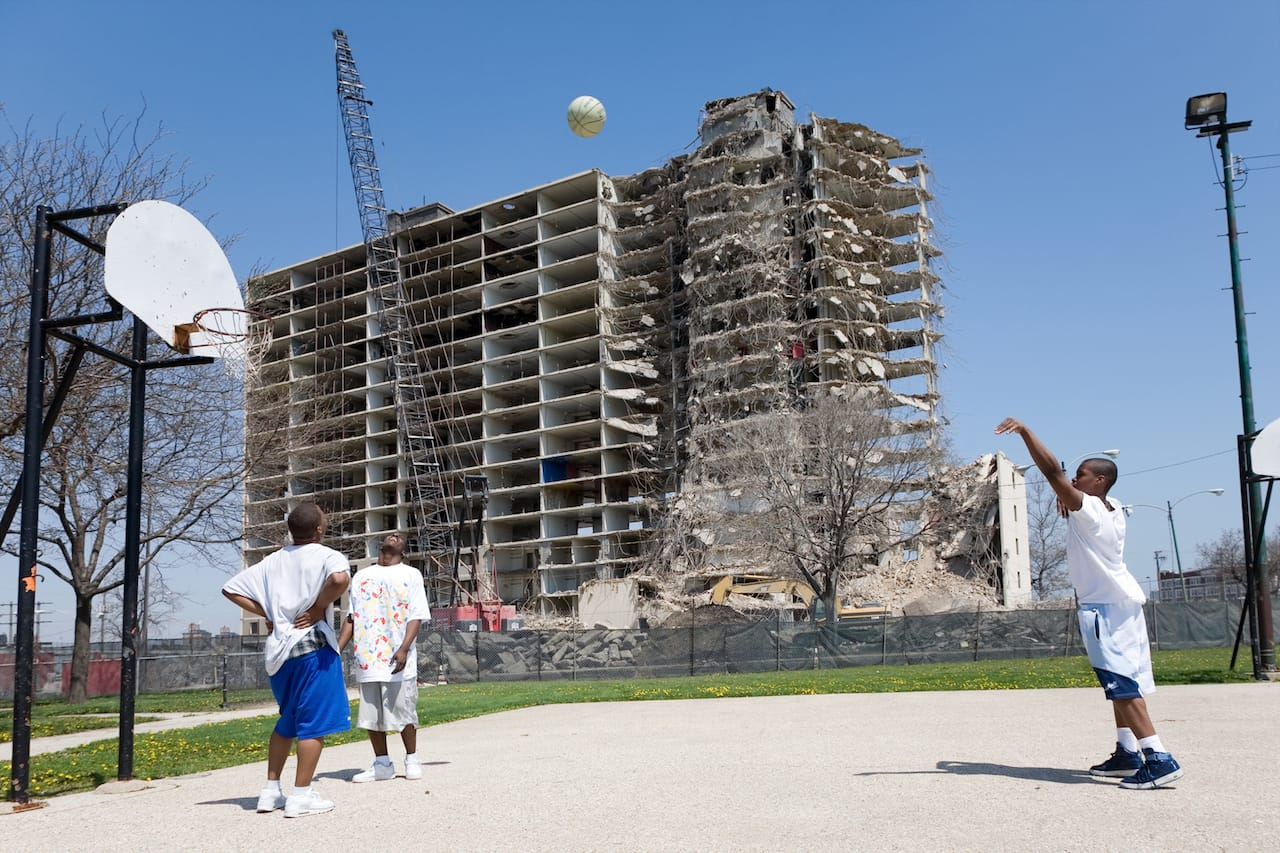 Basketball and Stateway Gardens Demolition (Chicago, Illinois), 2007. © David Schalliol